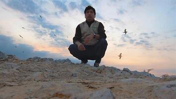 "Lone Guardian Keeps Watch on ""Poor Man's Galápagos"""