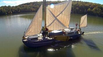 Fresh Produce Sails the Hudson