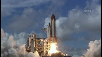 Shuttle Discovery Launches