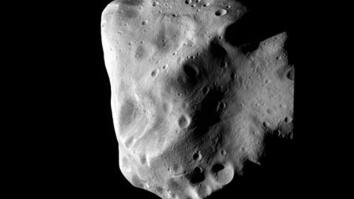 """New World"" Asteroid Photographed Up Close"