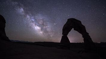 Time-Lapse: Lose Yourself in the Night Sky