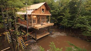 Building Wild: Double Decker Cabin Timelapse