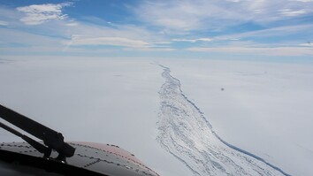 See the Huge Crack in West Antarctica Before Iceberg Broke Off
