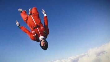 World-Champion Skydiver Turns Free-Falling Into Art