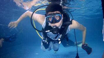 Paralyzed Man Regains His Freedom Through Diving