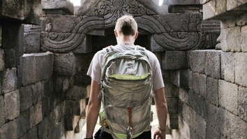 Backpack Through Indonesia in Under 5 Minutes