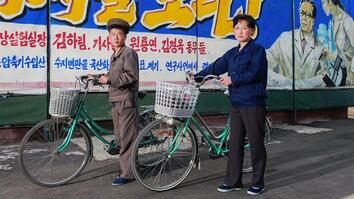 North Korea in 3D: See Rare Photos of People in the Secret State