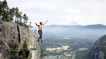 Gripping Video: Slackline Walker Breaks World Record
