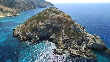 On a Greek Island, Clues to a Mysterious Civilization