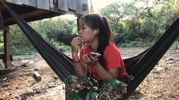 See How Technology is Changing Traditional Teenage Dating in Cambodia