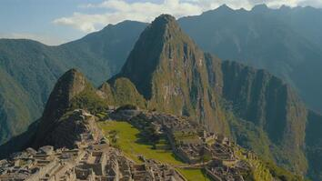 Beautiful Footage: Hiking to Machu Picchu