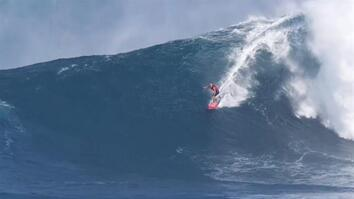 Surfers Conquer Insanely Huge Waves in Hawaii
