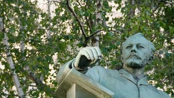 Inside the Musical Genius of Tchaikovsky