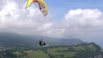 Soaring to New Heights: Acrobatic Paragliding in the Alps
