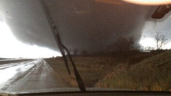 Amazing: Tornado Passes Right in Front of This Guy