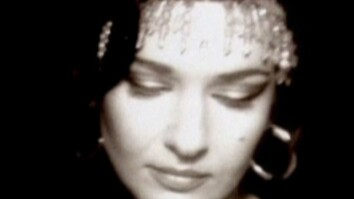 Natacha Atlas—'Yalla Chant'